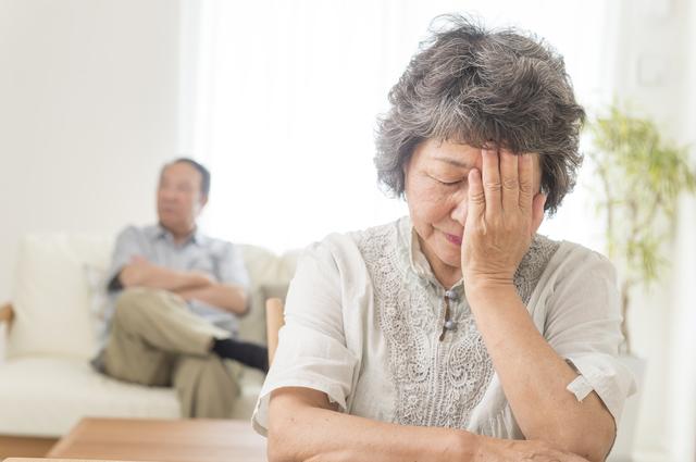 高圧的な70歳夫からの「言葉の暴力」。いつまで我慢できるか不安です.../お悩み相談