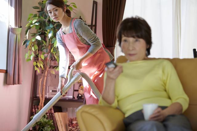 昼食15時、夕食21時、洗濯は14時から......。ちょっとめんどくさいマイペースなお義母さん