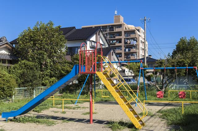 「あぶねーな!周りよく見ろよ!」公園で遊ぶ小学生に怒鳴った「若いお父さん」。それ、どうなの...⁉