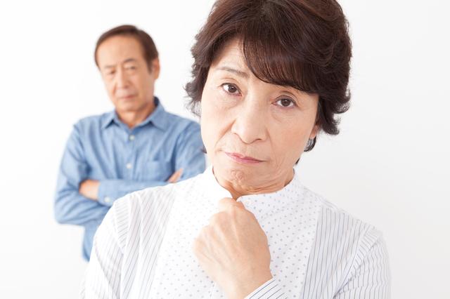 結婚の挨拶で会った妻の両親がまるで「〇道」! やけに不穏で恐ろしかった原因って?
