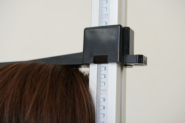 し、身長が3cm縮んだ!健診の結果に衝撃を受けた52歳の私が「猫背矯正」に挑んだ結果は...