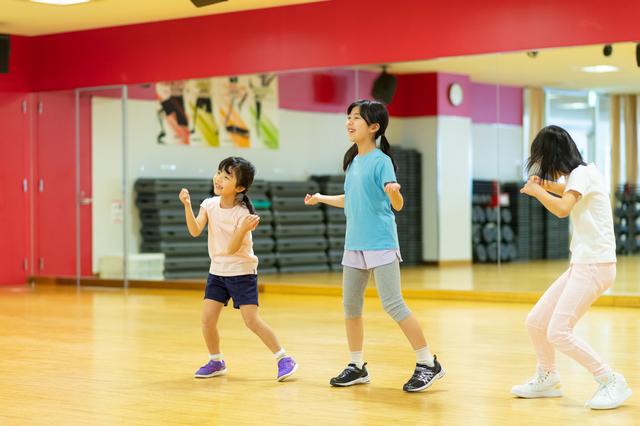 友達を資金源に息子の「教育」をしたママ友...モヤモヤだらけのダンス教室