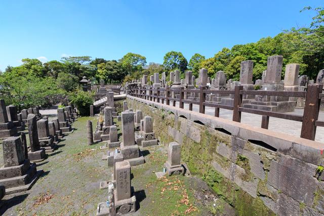 祖父が建てた立派なお墓も、ゆくゆくは無縁墓地に...?墓じまいを検討した時のこと