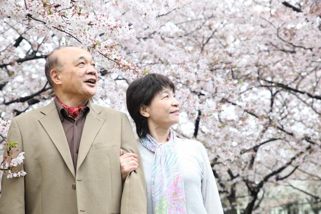 この夫婦から生まれてきてよかった。癌で亡くなった母を最期まで支え続けた父