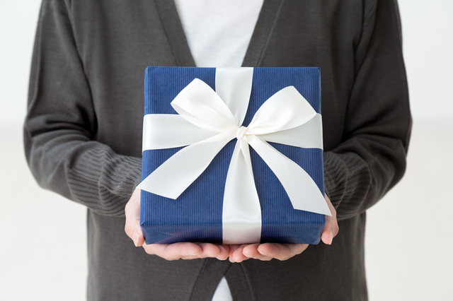「絶対こちらの方が良い!」孫に希望を聞いておいて...結局違うものをプレゼントする70歳の義父