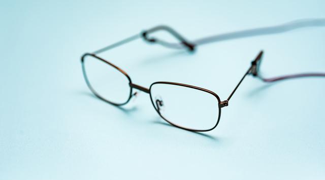 老眼鏡が家に58個も!? もの忘れが激しくなった父を病院に連れていくと...大変なことに!