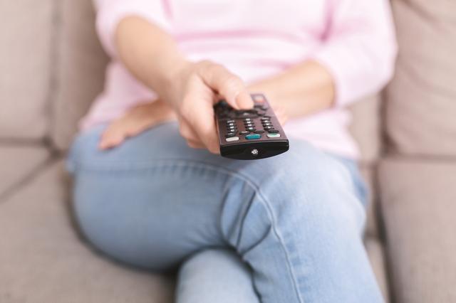 同居する「テレビ大好き母」が朝から騒ぐ「芸能ネタ」。ストレスに感じていた私だったけど...⁉