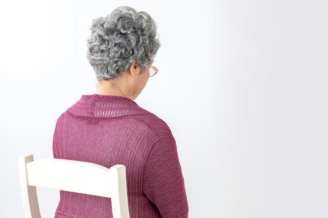「親には絶対服従」無表情で上から目線だった実母が、80歳になって急変し...⁉
