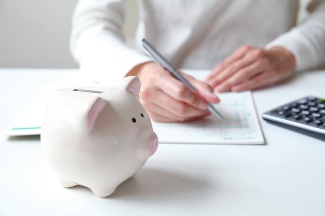 年金生活で月の収入は23万円。年金受給間近、64歳主婦の「私流家計管理法」
