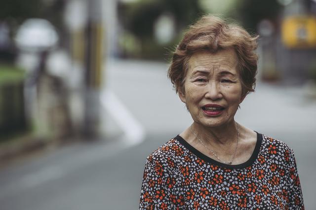 「嫁のあんたが月20万稼いだら済む話やん」仕事を辞めたい夫をかばう、姑のハチャメチャ理論は...!?/かづ