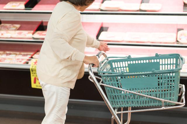 「冷凍しといてよ」自分は食べないのに...割引シール付き商品ばかり買って来る母