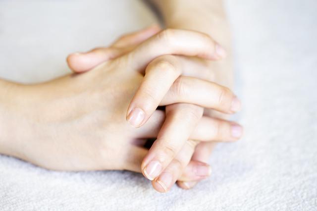 爪と踵と肌。ここに艶があると女性の気分はあがります/中道あん