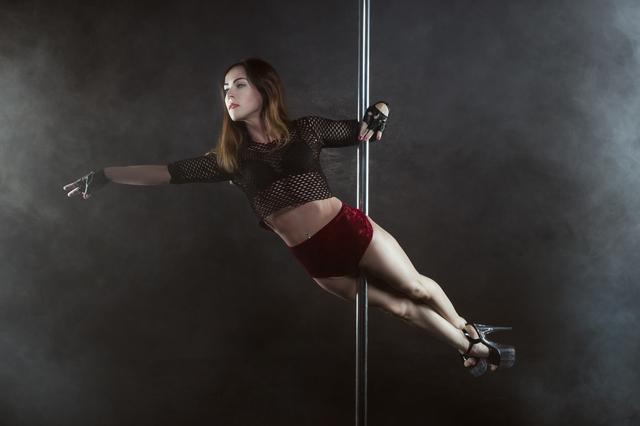 41歳だけど記念のつもりで!50kg痩せて憧れのポールダンスにチャレンジ/吉澤恵理