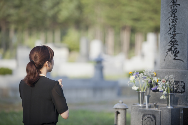 親切を装って近づいてくる!? 亡き夫の知人に言い寄られる未亡人の相談が話題