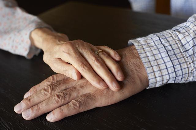高齢者にも性欲がある? 男性の70%が性的に不満と回答。タブー視される高齢者の性事情とは