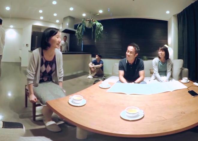 知らない人が部屋の中にいる! 「VR認知症」を体験してきました