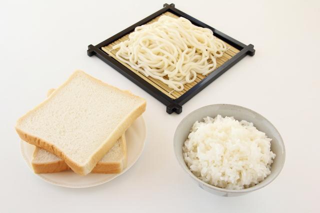 20年後の脳を認知症から守るために。「50歳を過ぎたら、白い色の主食は食べない」