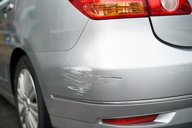 80代後半の父親の車は傷だらけ。ある日車で出かけて行方不明に.../介護破産