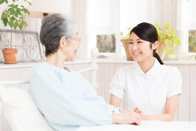 将来、どんな場所でどんな介護を受けたいか? 在宅介護を希望する人が7割以上/在宅介護