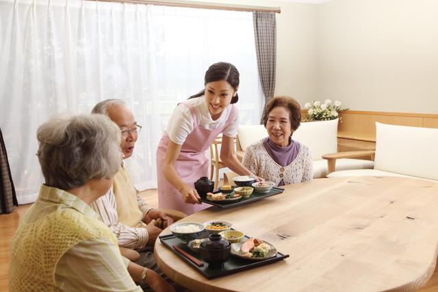 認知症高齢者グループホームは専門的な認知症ケアが受けられるのが魅力!/介護施設