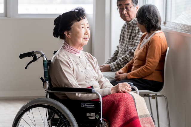 介護施設を探すときのポイントは場所、お金、サービス、経営母体/介護施設