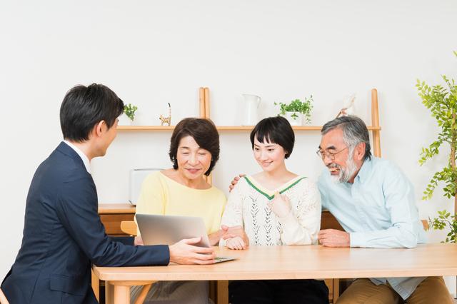 認知症になっても財産管理ができる!「家族信託®」とは?/法律のプロと相続を考える