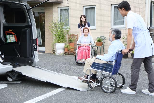 在宅介護の強い味方「デイサービス」。1日どんなことをして過ごすのか/在宅介護