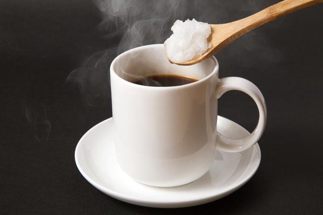 アルツハイマー病によい!? 朝食代わりに名医が勧める「MCTオイル入りコーヒー」とは