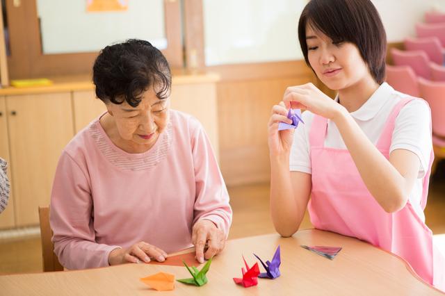 認知症の母親を週5回デイサービスに通わせて仕事を続ける方法/介護破産(19)