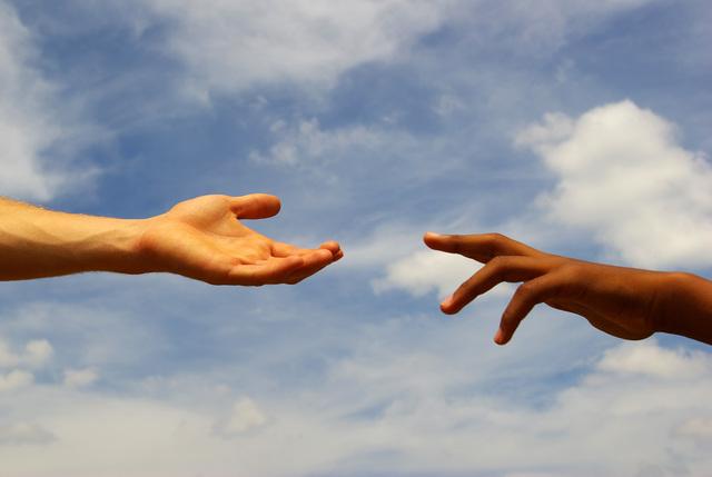 困っている人がいれば、それが誰かは関係ない「胸が締め付けられる思い」/岸見一郎「生活の哲学」