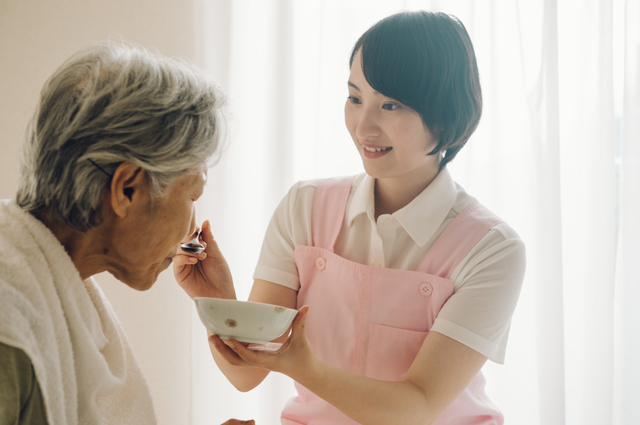 「在宅介護」を支える新しいサービス。「地域包括ケアシステム」「定期巡回・随時対応型訪問介護看護」とは/在宅介護