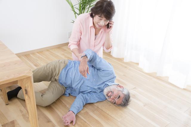 「転倒」は自宅で多く発生している! 親が安心・安全に暮らすための「実家の片付け方」とは?