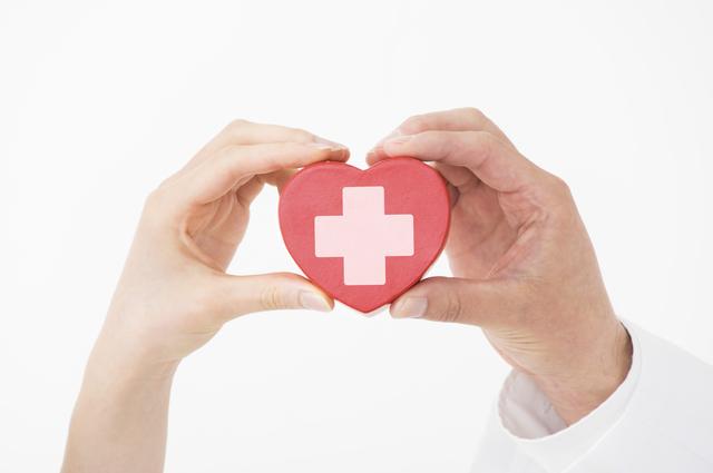 保険の給付金が受け取れるかどうかを決めるのは保険会社/医療保険は得?それとも損?(1)