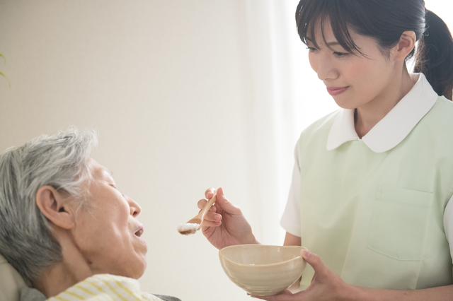 304f3802c3a 「地域密着」「特養」「老健」の違いとは? 介護保険で利用できる施設サービスについて/介護保険 | 毎日が発見ネット