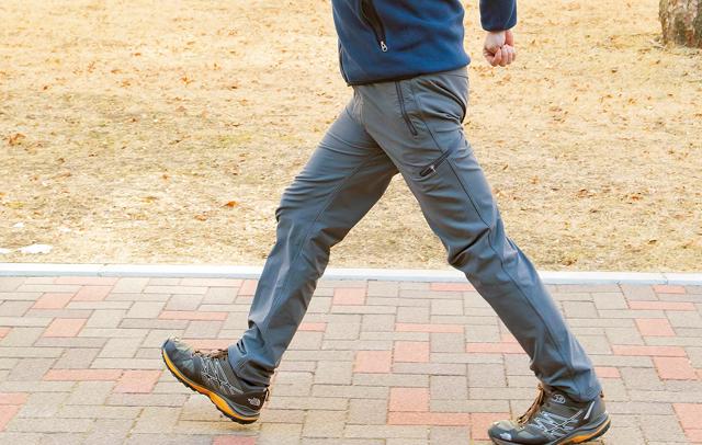 ただ歩くだけじゃだめ!「ちょい速ウォーキング」で全身超健康に