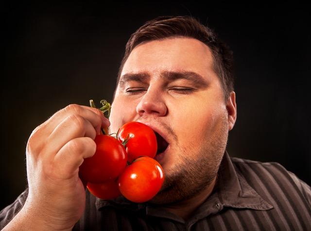 「よく噛む」ほどに肥満度が下がる/稼げる男は食事が9割(33)