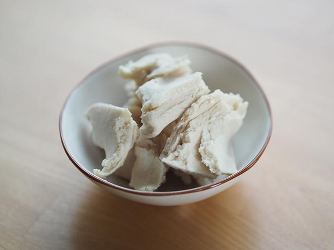 鍋から日本酒の香りがぷ~ん。お肌うるおう「酒かすローション」を【作ってみた】