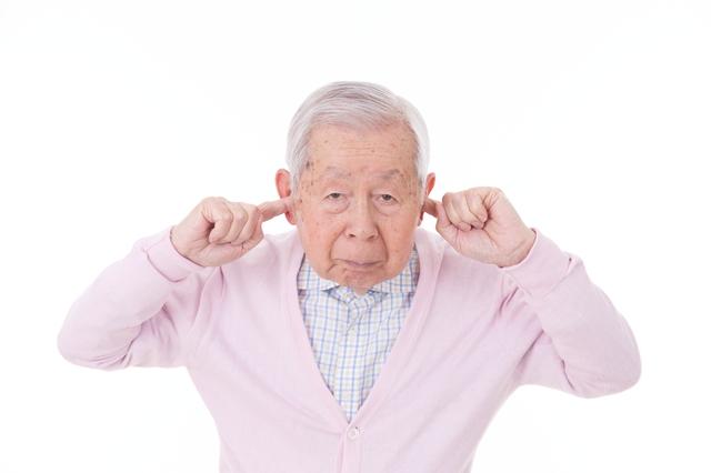 脳の柔軟性が失われると自説と違う意見に耳を貸さなくなる/「感情に振りまわされない人」の脳の使い方(16)