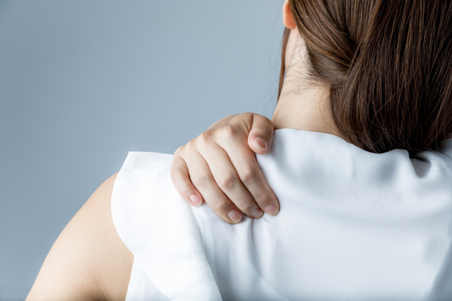 寝違えたときの首の痛みに注意! 寝違えたらまずするべきこと