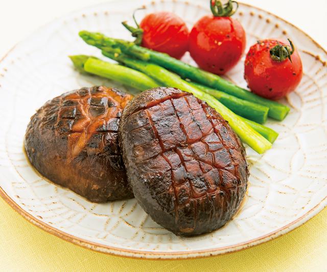 栄養たっぷり艶々ステーキも!「干ししいたけ」活用レシピ3選/乾物