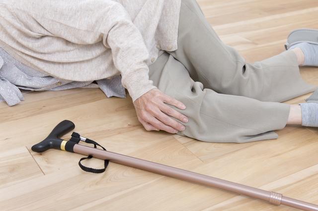 転倒の原因は筋肉の衰えと身長の縮み!? つまずきやすい身体チェック&つまずき予防体操法