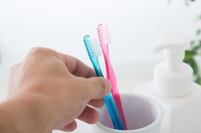 使用後の歯ブラシは細菌が1000万個!? 正しい歯ブラシケアで徹底殺菌