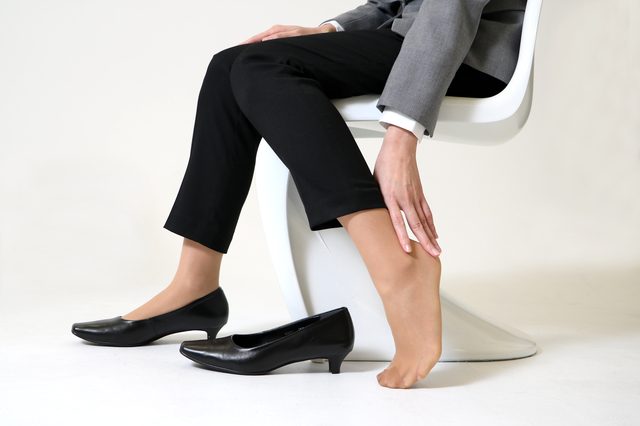 起きてすぐかかとが痛いのは要注意!足のトラブルと対処法