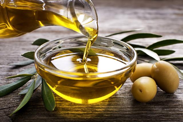 油ものを食べるベストなタイミングは? 健康的に油を摂取する方法