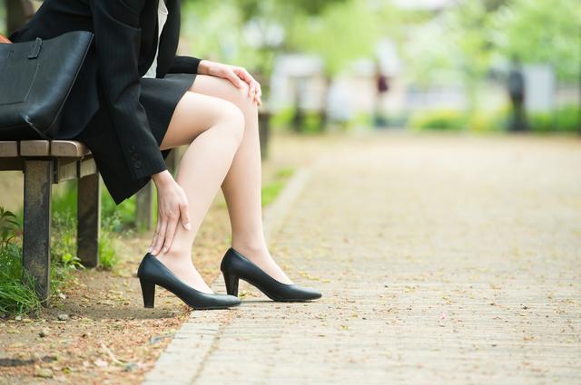 かかとの骨がトゲに変わる!?足裏の激痛の原因と予防方法