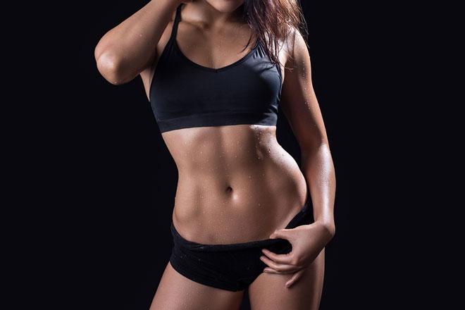 急増する「#腹筋女子」があこがれる、「アブクラックス」って何だ?