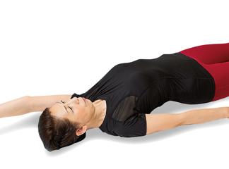 寝て行うと効果あり! 第二の骨格「筋膜」を引きのばして疲労を回復/前新式寝たままリンパ体操