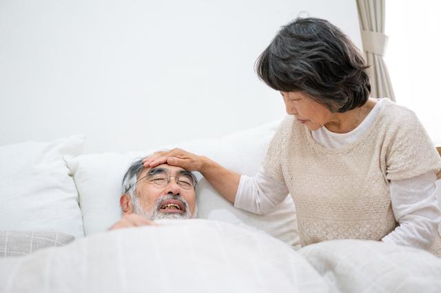 高齢者はインフルエンザが重症化しやすい! 起こりやすい二次感染とは?