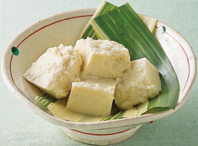 まぶして寝かせるだけ。チーズのような味わいの「塩麹豆腐」作りにチャレンジ!