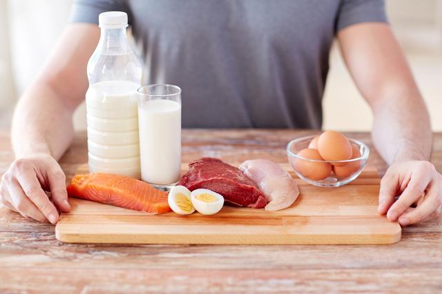 シニア世代のカラダづくりに大切な栄養素、たんぱく質は摂れていますか?